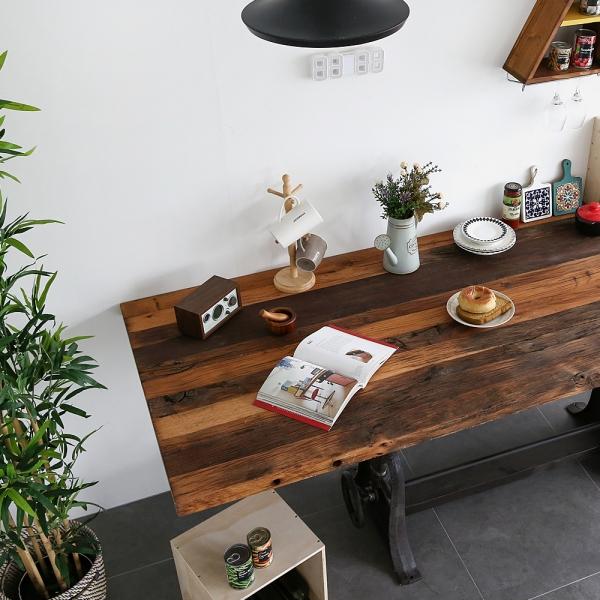 오크 고재 인더스트리얼 카페 테이블