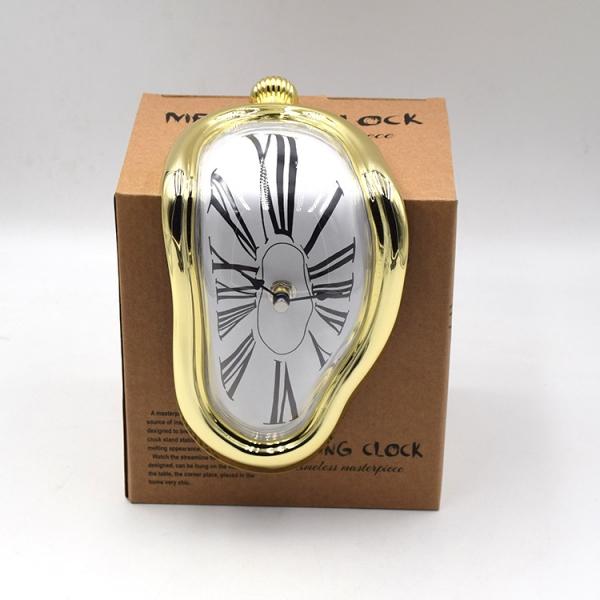 멜팅클락 달리의 녹아내리는 시계