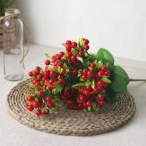 붉은 열매 조화